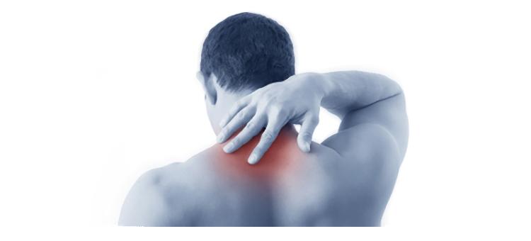 El dolor de los músculos del cuello con una alta temperatura