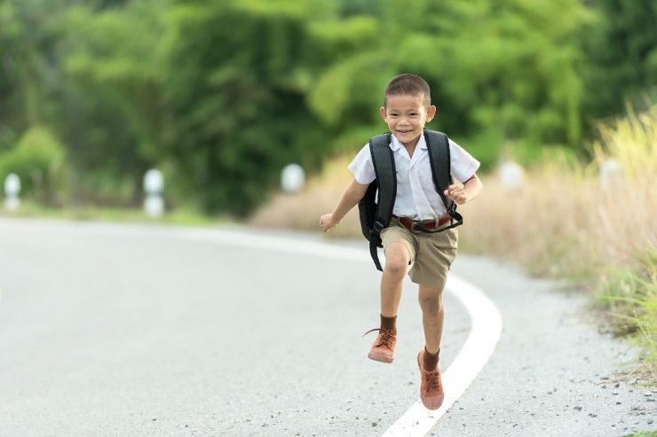 Mochila escolar y el cuidado de la espalda