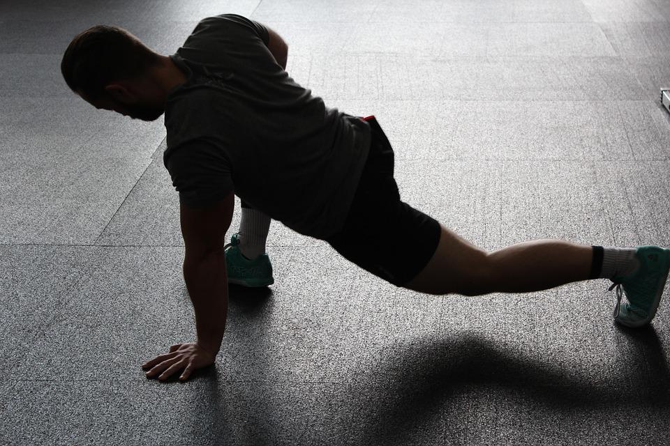 Mejora tu movilidad de cadera para evitar el dolor lumbar - www ...