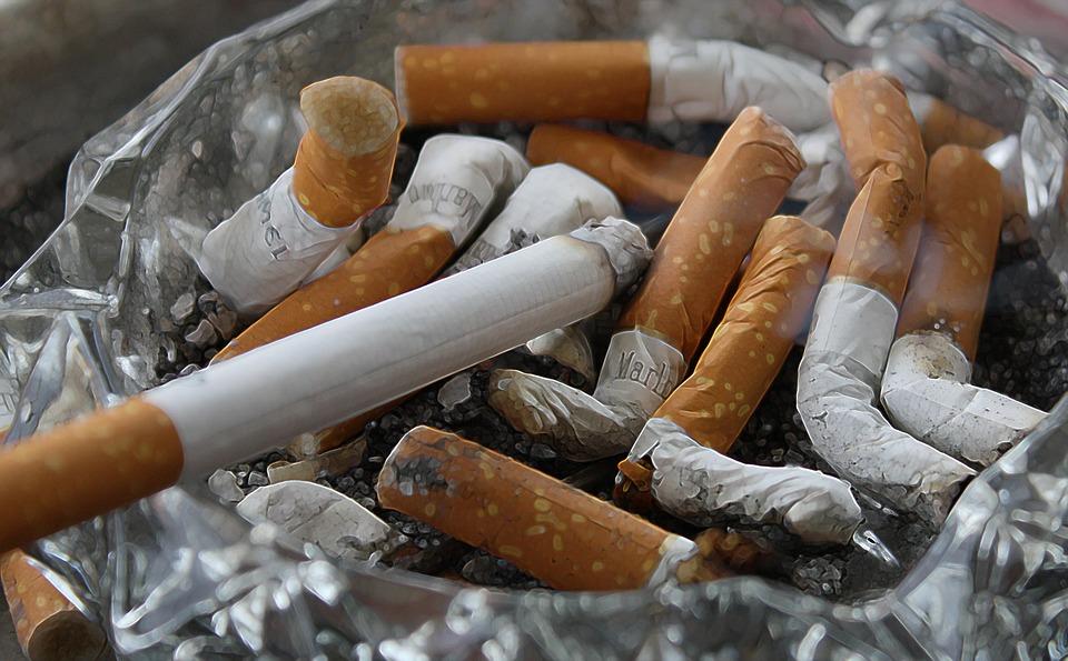 fumar contribuye al dolor de espalda